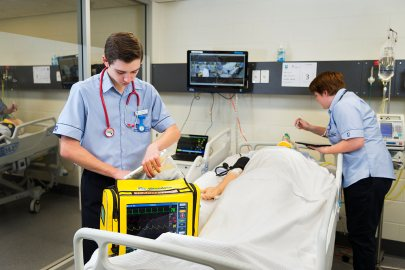 Study Graduate Certificate in Nursing (Critical Care Nursing